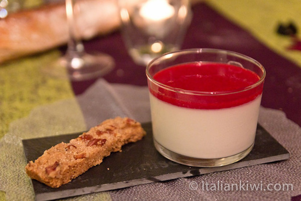 Panna Cotta: Surprisingly Easy To Make! | Italian Kiwi