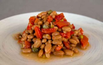 Spanish dried bean and red pepper salad